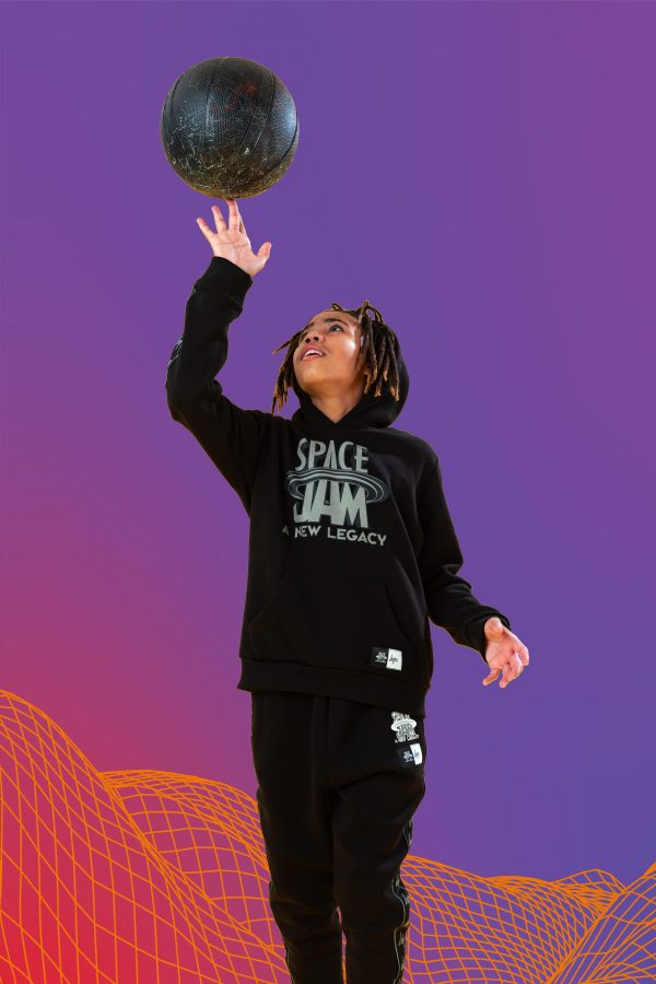SPACE JAM X HYPE. SPACE JAM BLACK REFLECTIVE KIDS PULLOVER HOODIE