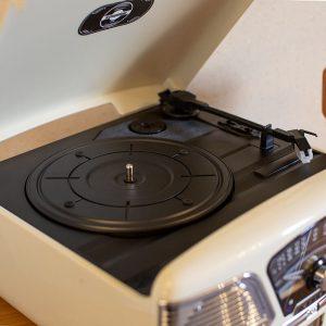 Steepletone 1960's ROXY 4 BT Retro Music System – White